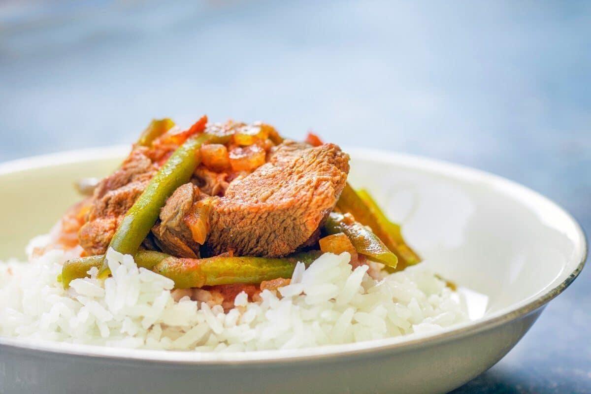 fasolia bean stew over white rice